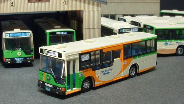 B-R111 ノーステップバス