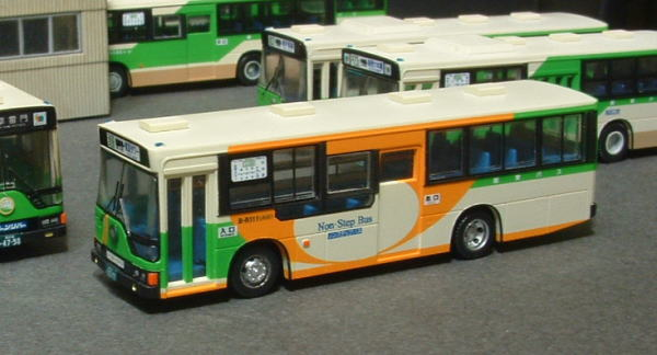 B-R111 ノーステップバス 2